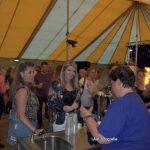 Impressie feestavond in de tent